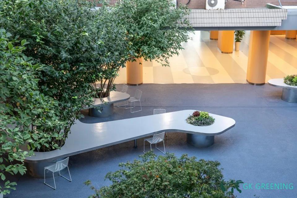 Tree table garden